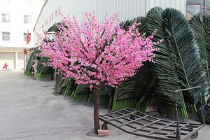 真木杆桃花树
